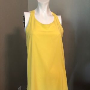 Alicia and Olivia stunning yellow flowy top